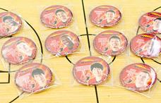 富山グラウジーズの缶バッチの写真